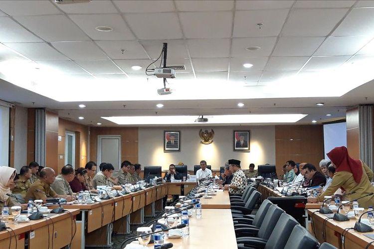 Rapat banggar Kebijakan Umum Perubahan Anggaran Plafon Prioritas Anggaran Sementara (KUPA-PPAS) untuk rancangan Anggaran Pendapatan dan Belanja Daerah Perubahan (APBD-P) DKI 2019 di Gedung DPRD DKI Jakarta, Selasa (12/8/2018).