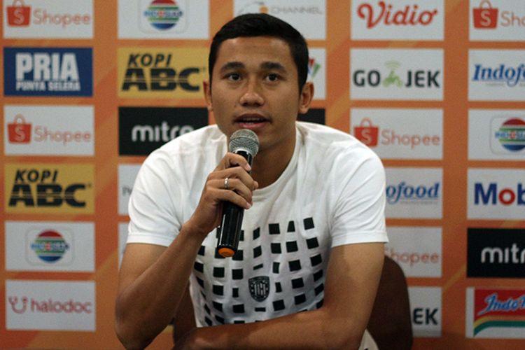 Pemain Bali United, Ricky Fajrin, dalam konferensi pers jelang pertandingan melawan Persib Bandung di Graha Persib, Kota Bandung, Kamis (24/7/2019).