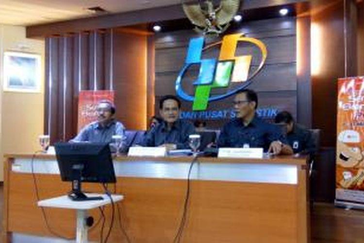 Kepala BPS Suryamin (tengah)