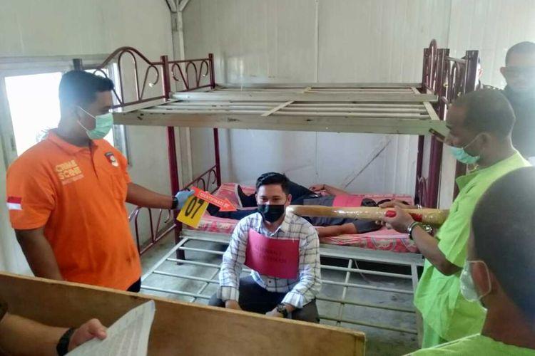Tim Polres Aceh Timur menggelar rekonstruksi kasus pembunuhan terhadap ibu dan anak di Desa Simpang Jernih, Kecamatan Simpang Jernih, Kabupaten Aceh Timur di Mapolres Aceh Timur, Rabu (10/3/2021).