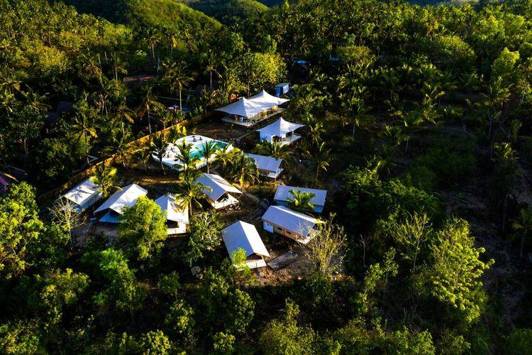 Pemandangan dari atas Autentik Nusa Penida.