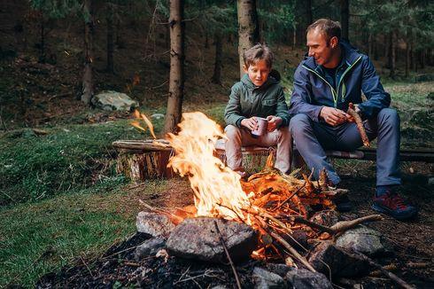 5 Barang Wajib yang Dibawa saat Berkemah atau Mendaki Gunung