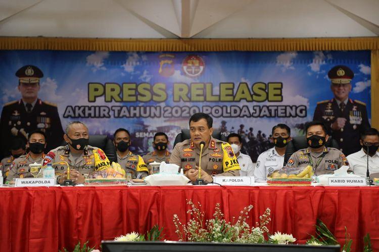 Kapolda Jateng Irjen Ahmad Luthfi saat konferensi pers di Mapolda Jateng, Rabu (30/12/2020).