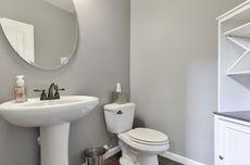 Cara Jitu Hilangkan Bau Tak Sedap di Toilet Saat Musim Hujan