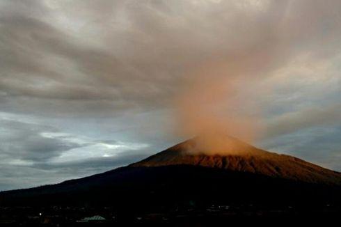 5 Fakta Gunung Kerinci Erupsi, Warga Diminta Jauhi Radius 3 Km hingga PVMBG Sebut Semburan Abu Fenomena Biasa