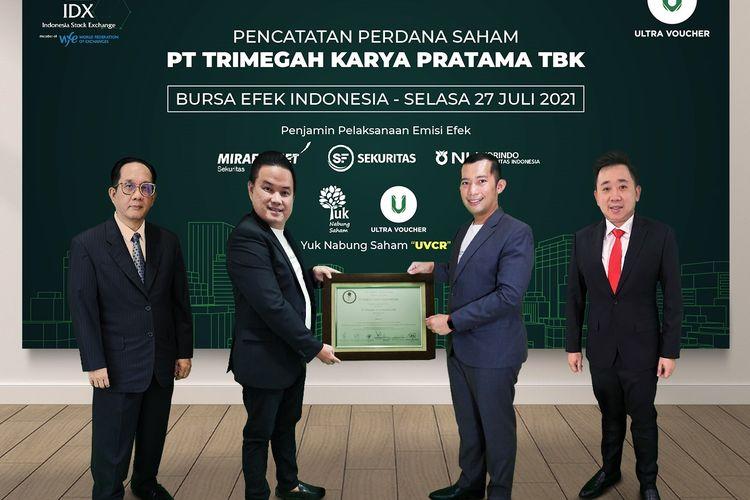 Proses pencatatan saham perdana atau dikenal dengan istilah IPO oleh PT Trimegah Karya Pratama Tbk di Bursa Efek Indonesia (BEI) secara virtual, Selasa (27/7/2021).
