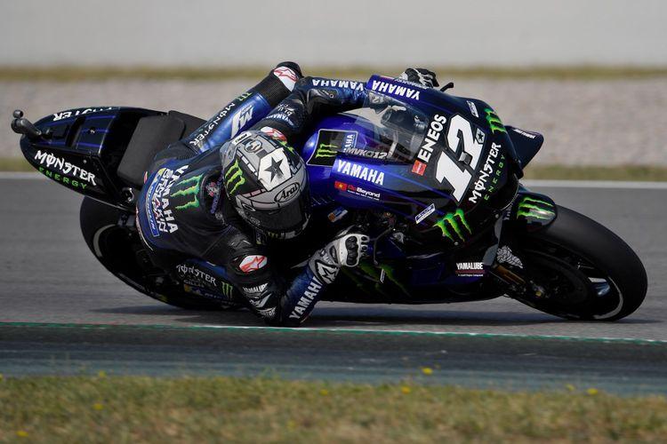 Pebalap Monster Energy Yamaha asal Spanyol, Maverick Vinales, saat menjalani sesi latihan bebas MotoGP Catalunya di Montmelo, 15 Juni 2019.