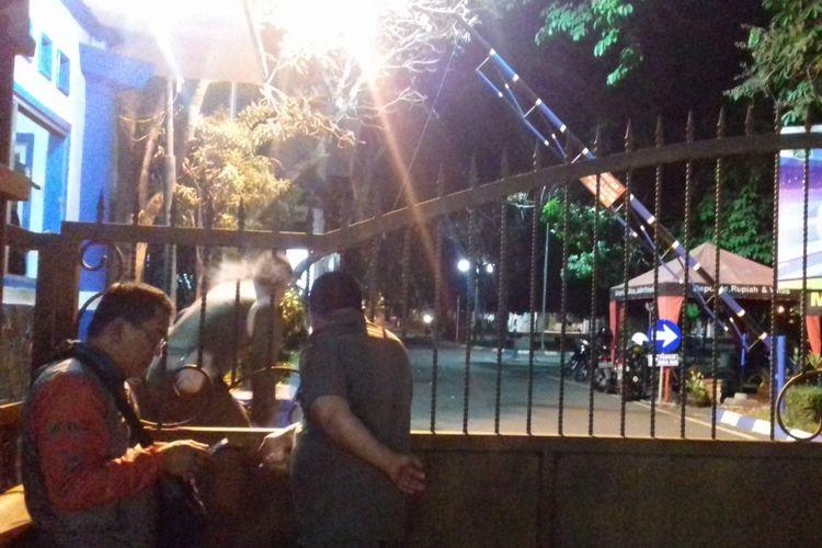 Pintu gerbang Pendopo Agung Kabupaten Malang, Senin (8/10/2018) malam
