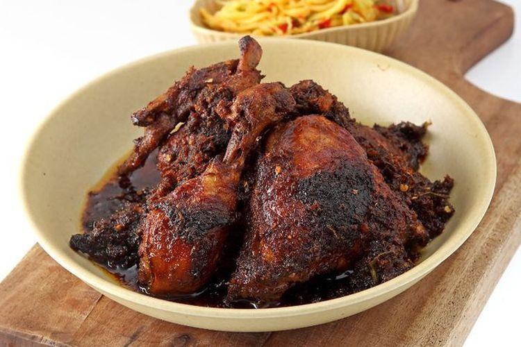 Resep Ayam Bumbu Ireng Madura, Lengkap dengan Sambal Pencit Mangga