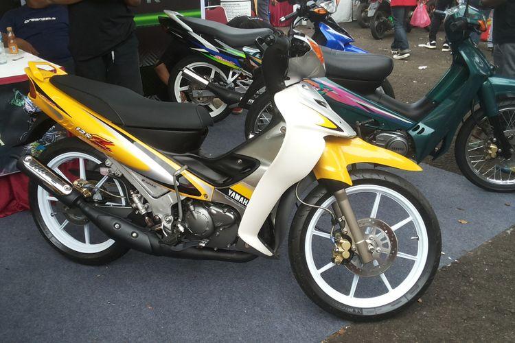 Salah satu Yamaha 125Z lansiran 2001 yang dijual di stan Greenseta, saat penyelenggaraan Pasar Jongkok Otomotif 2018 di Museum Purna Bhakti Pertiwi, Taman Mini Indonesia Indah, Jakarta Timur, Sabtu (7/4/2018).