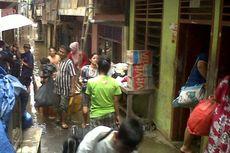 Banjir Kian Dekat, Warga Kampung Pulo Mengungsi