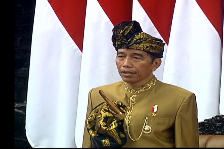 Presiden Jokowi megenakan baju adat Sasak NTB saat berpidato di sidang tahunan DPR-DPD, Jumat (16/8/2019).