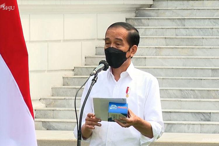 Foto tangkapan layar YouTube Sekretariat Presiden: Presiden Joko Widododalam acara peluncuran paket obat gratis di Istana Merdeka, Jakarta, Kamis (15/1/2021).