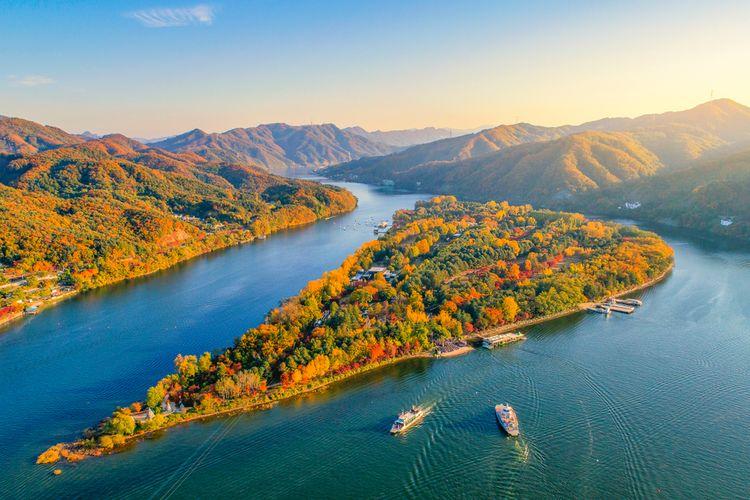 Pulau Nami saat musim gugur.