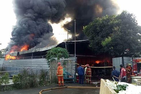 Kebakaran di Parakan Sawangan, Seorang Karyawan Ceritakan Dirinya yang Nyaris Terbakar