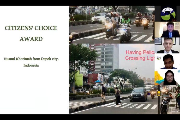Foto milik Husnul Khotimah (24 tahun) salah seorang warga Depok, Jawa Barat, dinobatkan sebagai pemenang kontes foto terbaik kategori citizen choice oleh organisasi internasional se-Asia, Cities Development Initiative of Asia (CDIA).