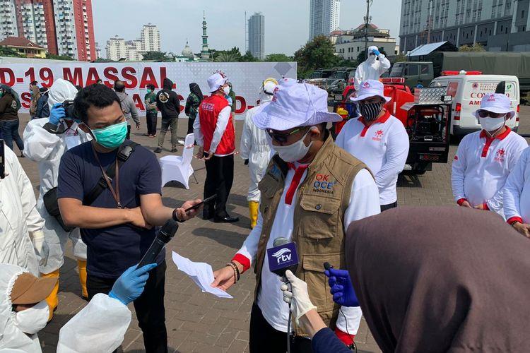 Ketua Relawan Indonesia Bersatu Lawan Covid-19 Sandiaga Uno menutup kegiatan rapid test di lapangan parkir RS Darurat Covid-19 Wisma Atlet Kemayoran ditutup pada Rabu (29/4/2020) hari ini.