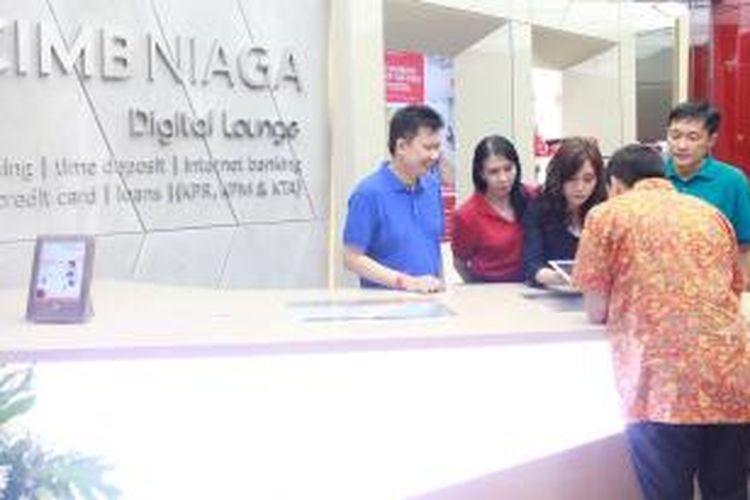 Suasana pembukaan CIMB Niaga Digital Lounge di Solo