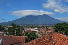 Main ke Setu Tamansari di Bogor, Naik Perahu Sambil Lihat Gunung Salak