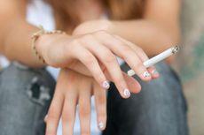 Menkes Nila Prihatin Jumlah Perokok Wanita Meningkat