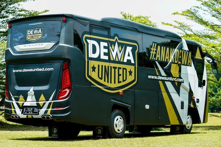 Bus pemain dan official Dewa United FC