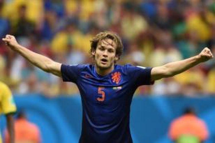 Bek asal Belanda, Daley Blind, bergabung ke Manchester United.