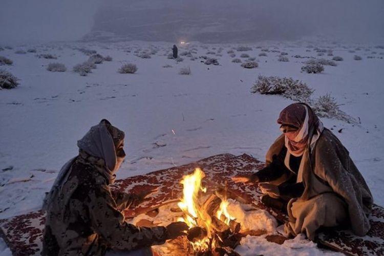 Salju turun di Tabuk, Arab Saudi, Januari 2020