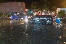 Cerita Pelajar SMP Meraup Berkah dari Banjir Kahatex yang Lumpuhkan Jalan Bandung-Garut