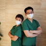 Cinlok di Wuhan Saat Hadapi Virus Corona, 2 Perawat Ini Menikah
