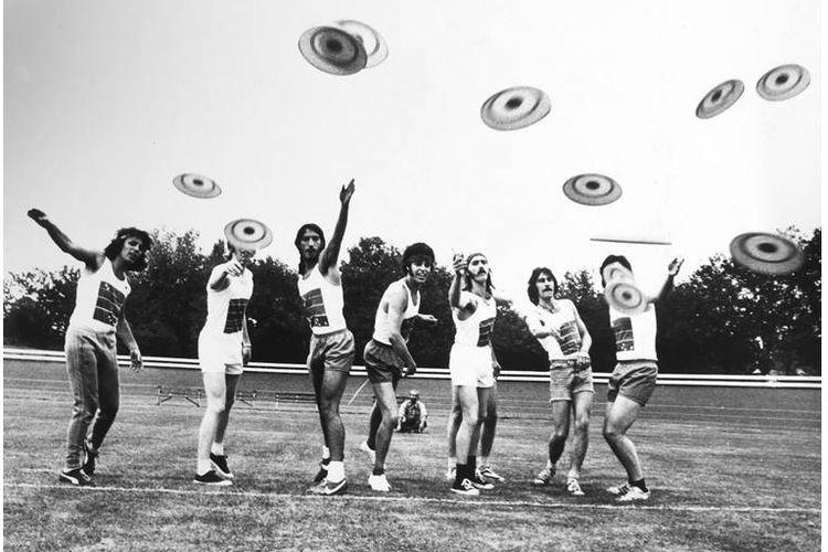Frisbee menjadi tren pada tahun 1966 di Inggris