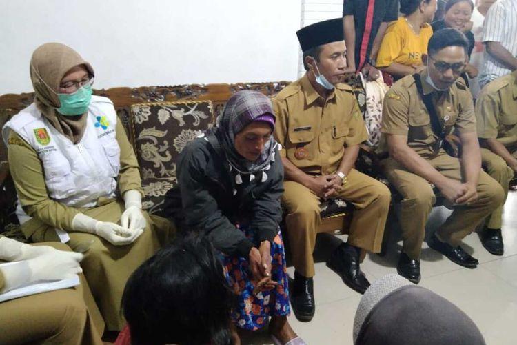 Surati warga Kecamatan Sawangan, Kabupaten Magelang, ditemukan selamat di lereng Gunung Merapi, Kabupaten Boyolali, Senin (24/5/2021).