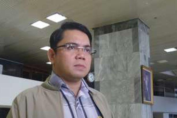 Anggota Komisi II DPR, Arteria Dahlan di Kompleks Parlemen, Senayan, Jakarta, Jumat (17/6/2016)