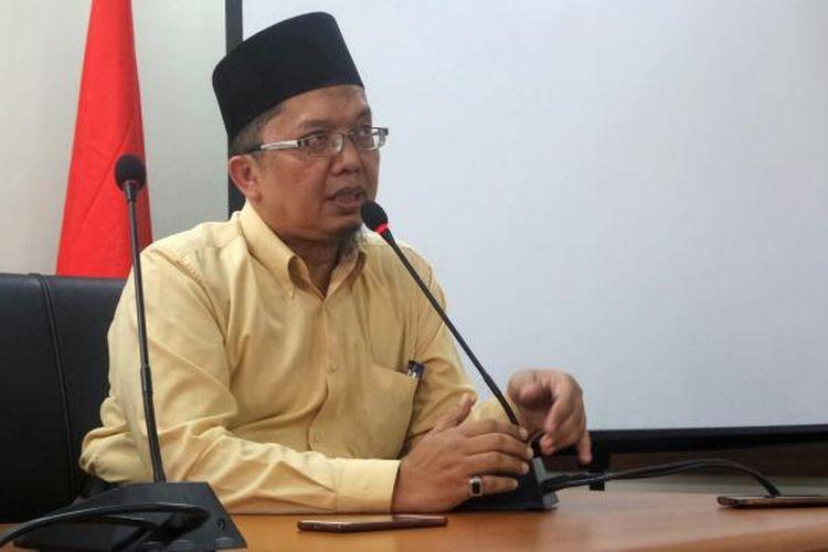 Dosen Universitas Muhammadiyah Prof. DR. Hamka (UHAMKA) Alfian Tanjung menanggapi somasi yang dilayangkan oleh Anggota Dewan Pers Nezar Patria, di kantor Dewan Pers, Kebon Sirih, Jakarta Pusat, Rabu (8/3/2017).