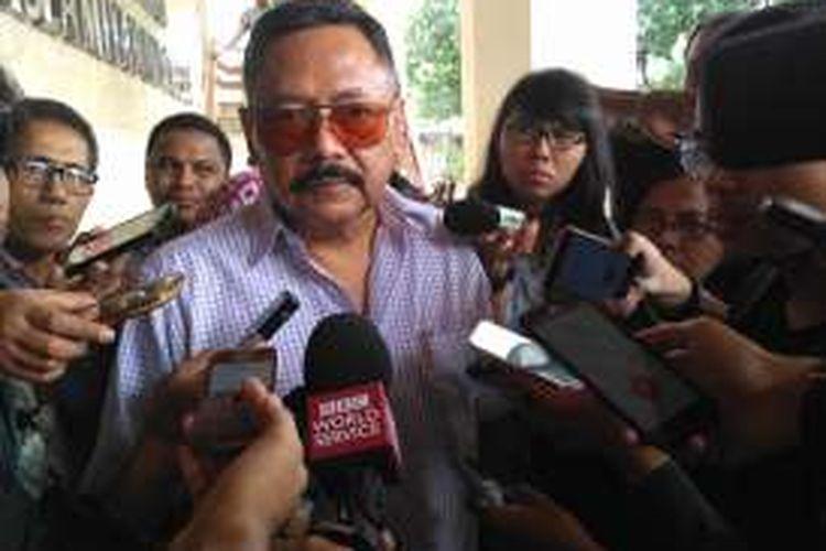 Letjen TNI (Purn) Kiki Syahnakri usai konferensi pers  Simposium Nasional dan Apel Akbar