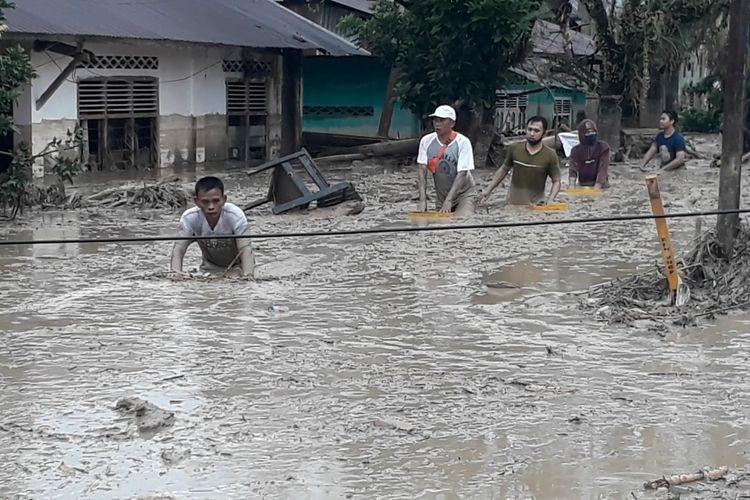 Banjir Bandang Terjang Masamba Luwu Utara Berikut Analisis Bmkg Halaman All Kompas Com