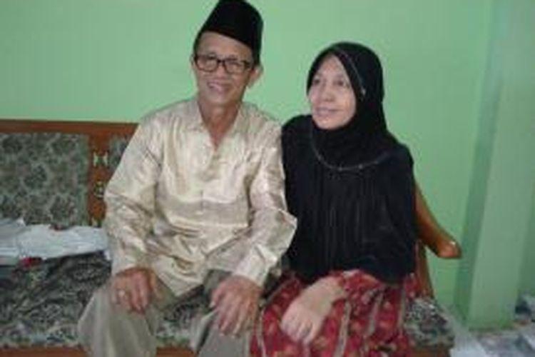 Pasangan Sofyan Suri (62) dan Siti Nasuha (56). Sofyan adalah mantan supir bemo dan truk. Mereka berhasil menyekolahkan delapan anaknya hingga perguruan tinggi. Satu di antaranya kini kuliah di Kairo, Mesir.