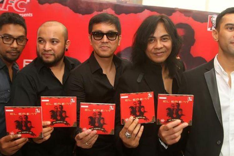 Setelah lima tahun vakum, band Element meluncurkan album ketujuh mereka, Save The Best For Last, di Jakarta, Rabu (12/3/2014).