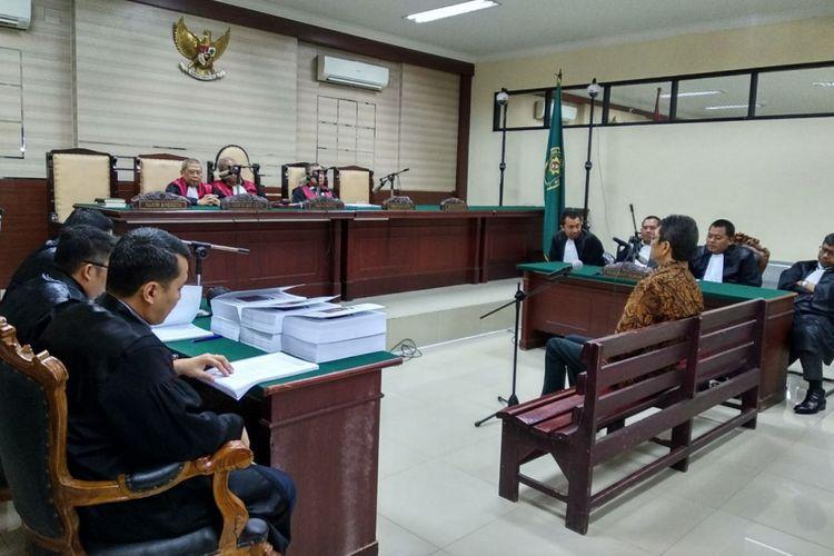 Sidang tuntutan Eddy Rumpoko di Pengadilan Tipikor Surabaya