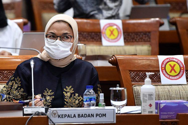 Kepala Badan POM Penny Kusumastuti Lukito mengikuti rapat kerja dengan Komisi IX DPR di Kompleks Parlemen, Senayan, Jakarta, Rabu (10/3/2021). Rapat tersebut membahas tentang dukungan pemerintah terhadap pengembangan vaksin Merah Putih dan vaksin Nusantara. ANTARA FOTO/Sigid Kurniawan/rwa.