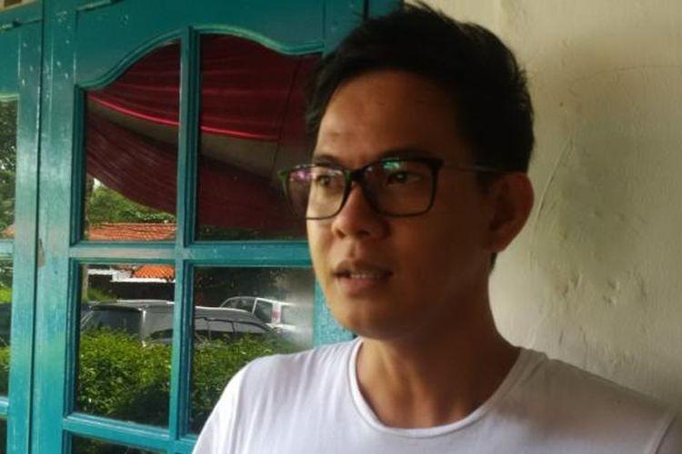 Andi Arsyil saat menghadiri syukuran 100 episode sinetron Dunia Terbalik, di Harjamukti, Cibubur, Jakarta Timur, Senin (13/3/2017).