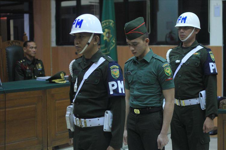 Prada DP saat menjalani persidangan di Pengadilan Militer I-04 Palembang.