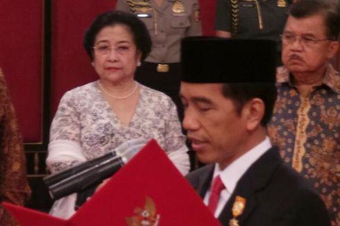 Megawati Tersenyum Hadiri Pelantikan Ahok di Istana