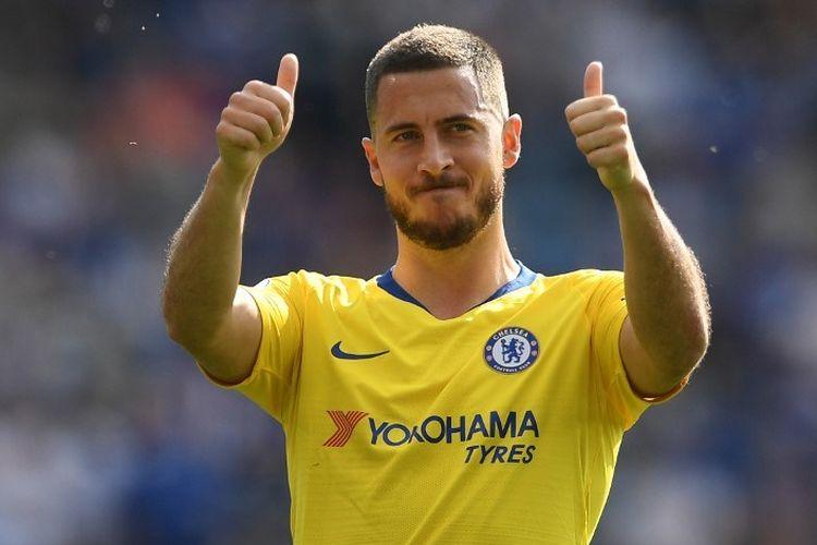 Eden Hazard membalas aplaus penonton seusai laga Leicester City vs Chelsea di Stadion King Power dalam pertandingan pekan terakhir Liga Inggris, 12 Mei 2019.