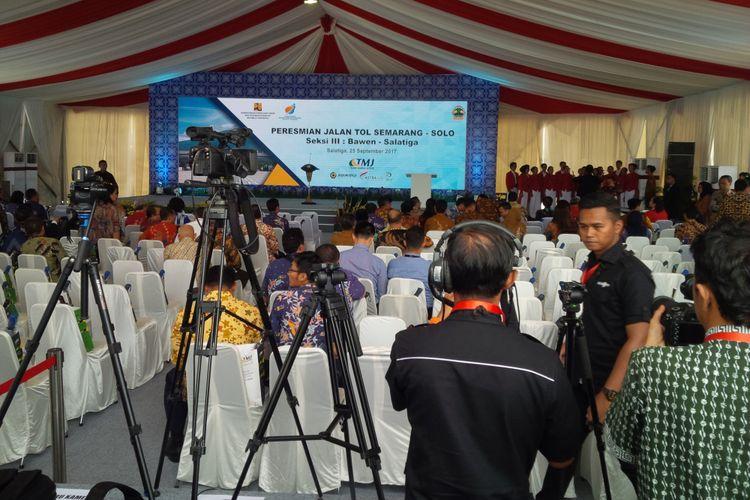 Peresmian Jalan Tol Semarang-Solo Seksi III Bawen-Salatiga di Gerbang Tol Salatiga, Senin (25/9/2017) siang.