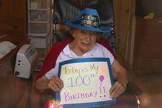 Wabah Corona, Nenek 100 Tahun Rayakan HUT dari Balik Kaca Jendela