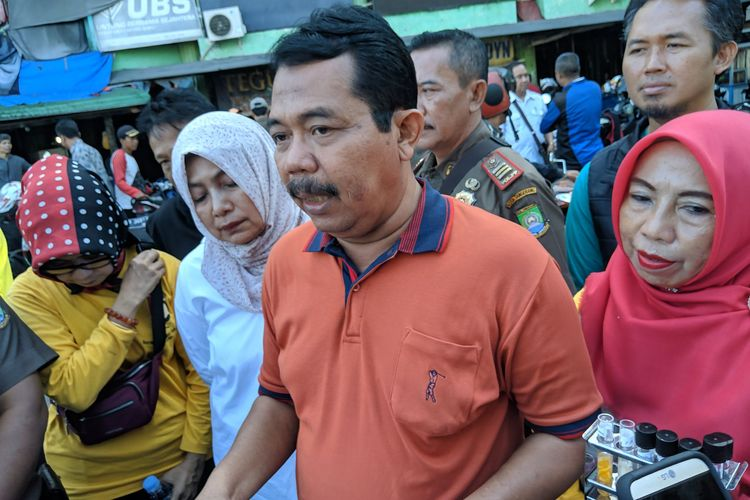 Kepala Dinas Ketahanan Pangan (DKP) Kota Tangerang, Abduh Suharman saat ditemui selepas sidak di Pasar Anyar Kota Tangerang, Rabu (18/12/2019).