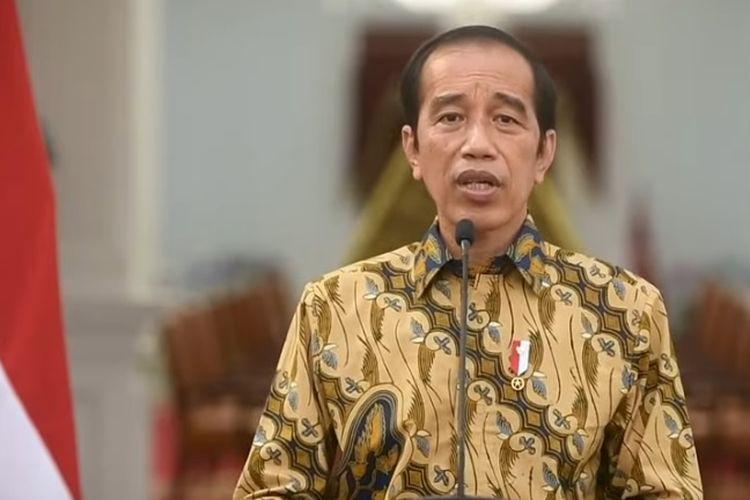 Presiden Joko Widodo atau Jokowi saat mengumumkan perpanjangan PPKM Level 4 pada Minggu (25/7/2021).