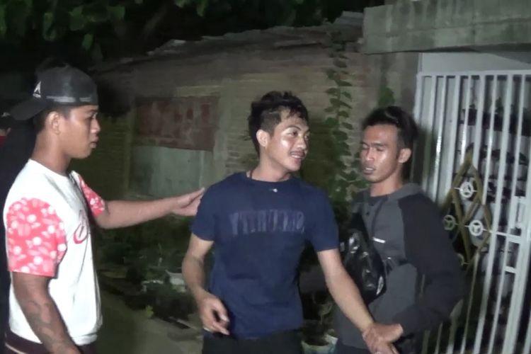 Aparat kepolisian di Kabupaten Gowa, Sulawesi Selatan membekuk seorang Satpam lantaran mabuk dan menodong sejumlah mahasiswa dengan air softgun. Jumat, (23/10/2020).