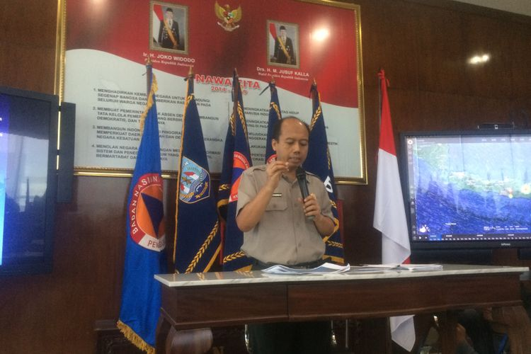 Kepala Pusat Data Informasi dan Humas Badan Nasional Penanggulangan Bencana (BNPB) Sutopo Purwo Nugroho di Kantor BNPB, Jakarta, Senin (6/8/2018).