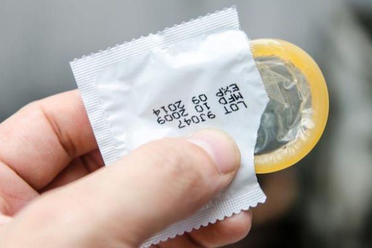 Kondom bisa digunakan sebagai alternatif cara mengatasi ejakulasi dini jika cara-cara lain belum berhasil.